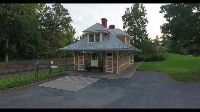 the segregated train station at montpelier is a museum and permanent exhibit in orange, virginia where the architect of the united states... - ジェームス モンロー点の映像素材/bロール