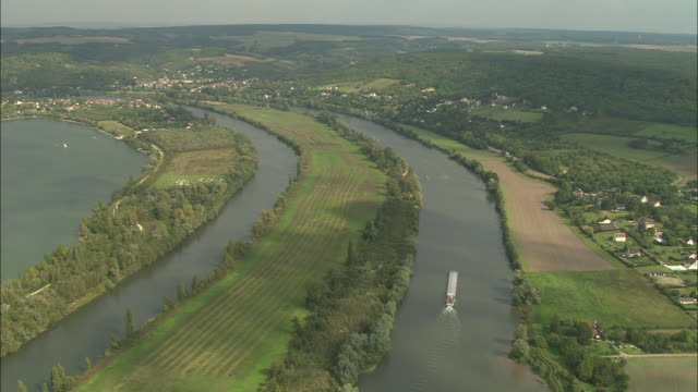 the seine near moisson - barge stock videos & royalty-free footage