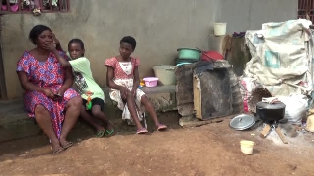 vídeos de stock e filmes b-roll de the separatist crisis in the english speaking regions of northwest and southwest cameroon has left 530000 people displaced - southwest usa