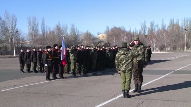 the separatist leader of the donetsk peoples republic in eastern ukraine calls on military cadets to become the backbone of the army in the new... - kadett stock-videos und b-roll-filmmaterial