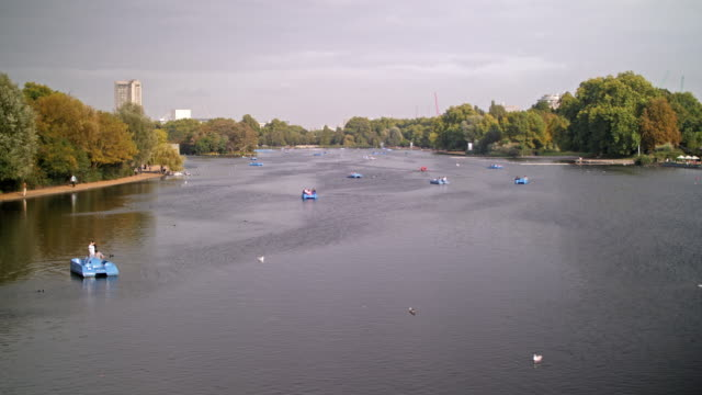 the serpentine lake and hyde park - the serpentine london stock videos & royalty-free footage