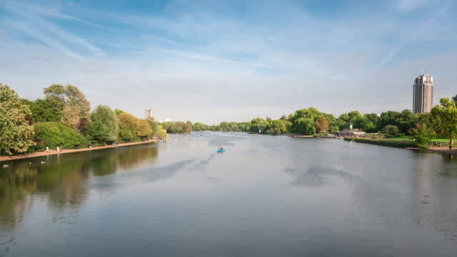 the serpentine lake in hyde park time lapse - the serpentine london stock videos & royalty-free footage
