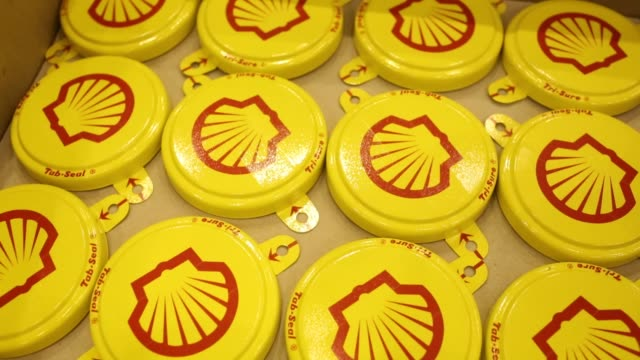 the shell logo sits on a protective hard hat at the royal dutch shell plc lubricants blending plant in torzhok russia on wednesday feb 7 tab seal... - logo stock-videos und b-roll-filmmaterial