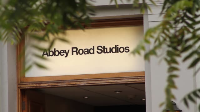the sign above the door at abbey road studios in london, made famous by the beatles. - the beatles bildbanksvideor och videomaterial från bakom kulisserna