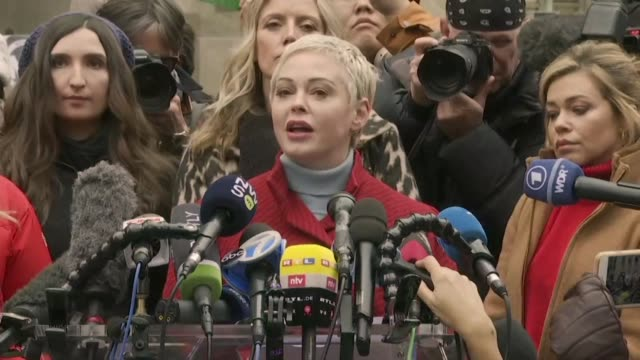 stockvideo's en b-roll-footage met the silence breakers' who came forward to accuse harvey weinstein of sexual assault and triggered the #metoo movement call the once mighty hollywood... - verwijten