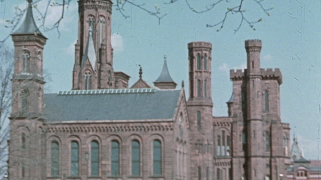 ws the smithsonian castle / washington dc united states - smithsonian institution stock videos & royalty-free footage
