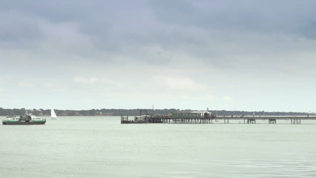 the solent, southampton - southampton hampshire stock-videos und b-roll-filmmaterial