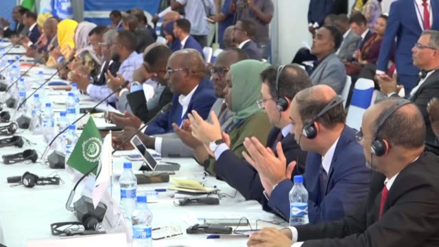 the somalia partnership forum takes place in mogadishu for the first time a previous conference having occurred in brussels - horn von afrika stock-videos und b-roll-filmmaterial
