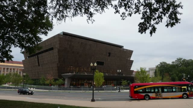 vídeos y material grabado en eventos de stock de the soontobeopened smithsonian national museum of african american history and culture is seen september 1 2016 in washingotn dc the museum was... - instituto smithsoniano