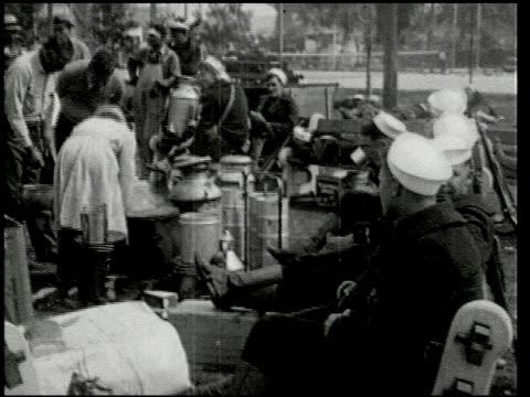 vídeos de stock e filmes b-roll de the southern california earthquake - 13 of 16 - veja outros clipes desta filmagem 2474