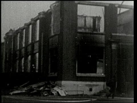 vídeos de stock e filmes b-roll de the southern california earthquake - 14 of 16 - veja outros clipes desta filmagem 2474