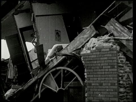 vídeos de stock, filmes e b-roll de the southern california earthquake - 3 of 16 - 1933