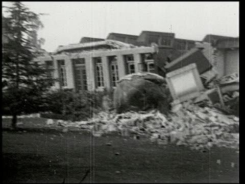 vídeos de stock e filmes b-roll de the southern california earthquake - 5 of 16 - veja outros clipes desta filmagem 2474