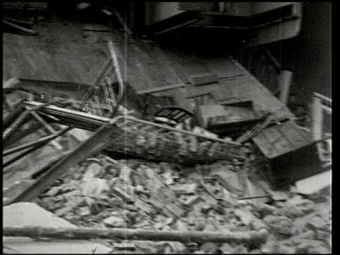 vídeos de stock e filmes b-roll de the southern california earthquake - 7 of 16 - veja outros clipes desta filmagem 2474
