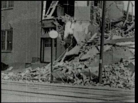 vídeos de stock e filmes b-roll de the southern california earthquake - 8 of 16 - veja outros clipes desta filmagem 2474