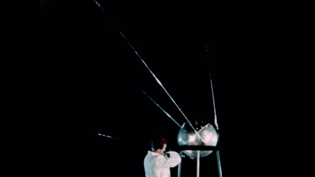 the soviet union launches sputnik 1 - 1957 stock-videos und b-roll-filmmaterial