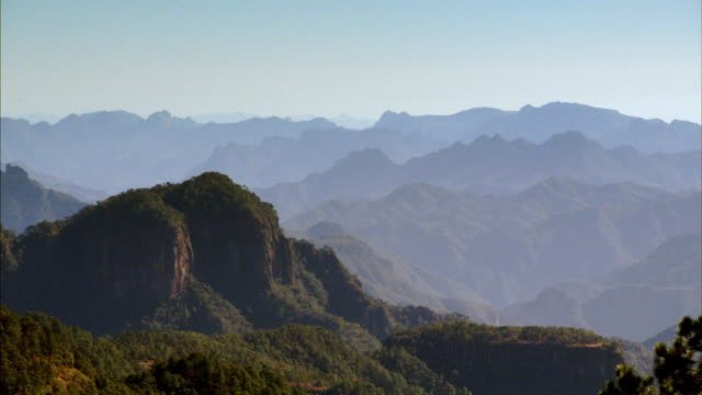 the spectacular, cragged sierra madre occidental mountain range in mexico. - sierra madre stock-videos und b-roll-filmmaterial