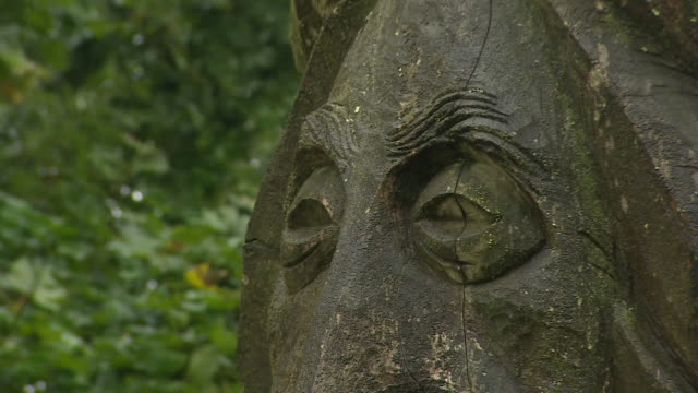 the 'spirit of the woods' statue in the ebworth centre, gloucestershire - sculpture stock videos & royalty-free footage