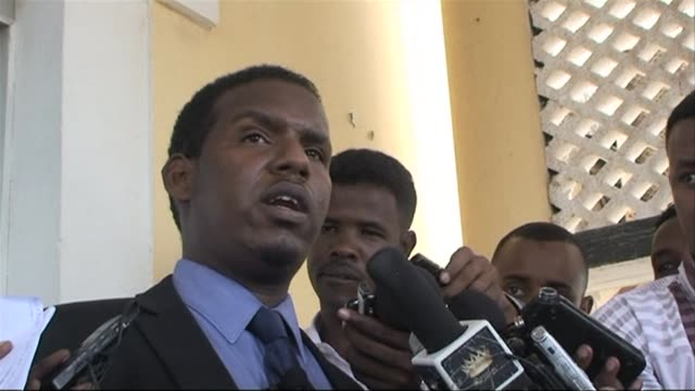 stockvideo's en b-roll-footage met the spokesman of the somali prime minister on sunday offered his governments condelences to the kenyan people following saturdays attack on a mall in... - hoorn van afrika