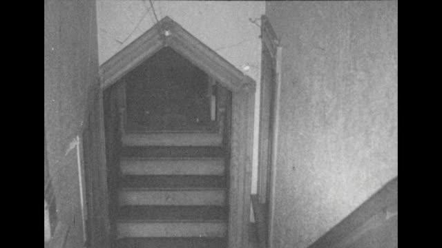 vídeos y material grabado en eventos de stock de the spooky winchester house - aparición conceptos