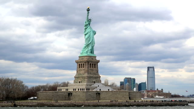 HD : The Statue of Liberty in New York City