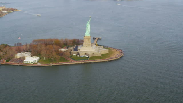 HD AERIAL: The Statue of LIberty