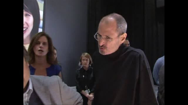 The stock market will grapple on Thursday with what to make of Apple's future now that legendary cofounder Steve Jobs has stepped down from the helm...