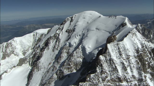 the summit of mont blanc - mont blanc stock videos & royalty-free footage