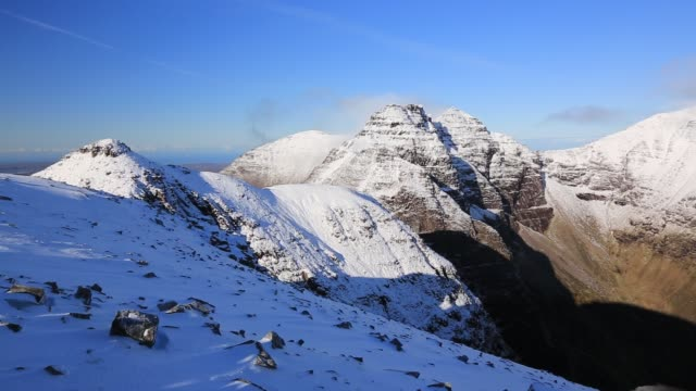 the summit ridge of an teallach, a rugged munro in the north west highlands, scotland, uk. - an teallach stock videos & royalty-free footage