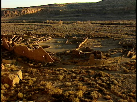 the sun sets over pueblo bonito in chaco canyon. - chaco canyon stock videos & royalty-free footage