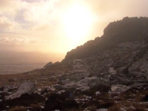 stockvideo's en b-roll-footage met the sun sets over the falkland islands - atlantische eilanden