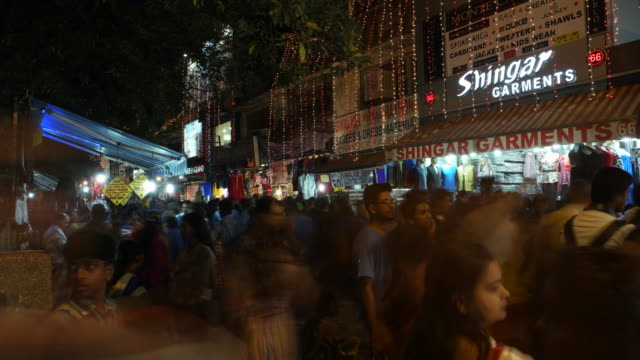the super busy market of sarojini nagar in delhi during the crazy madness of the diwali festive season - insanity stock videos & royalty-free footage