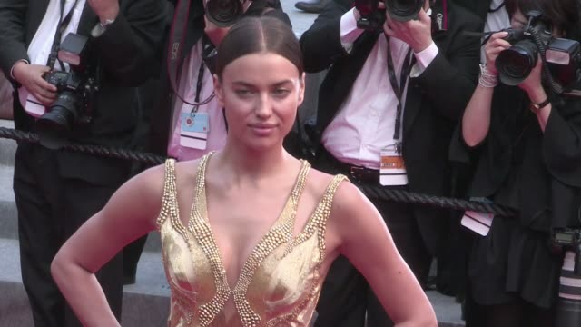 vídeos de stock, filmes e b-roll de the superb adriana lima attend the sicario red carpet during the 68th annual cannes film festival tuesday may 19th 2015 cannes france - adriana lima