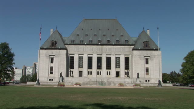 the supreme court of canada in west of parliament hill in ottawa canada - ontario kanada stock-videos und b-roll-filmmaterial
