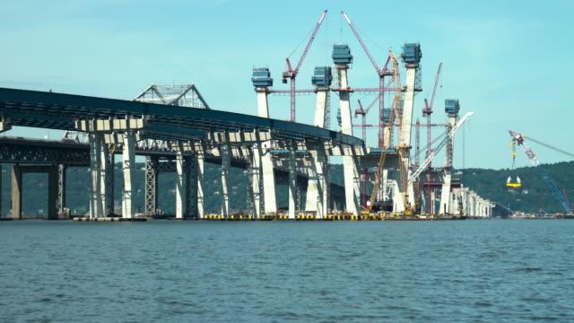 the tappan zee bridge and the new tappan zee bridge - kantilever bildbanksvideor och videomaterial från bakom kulisserna