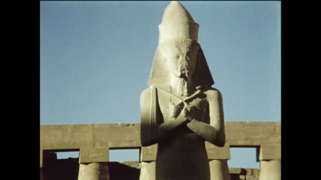 stockvideo's en b-roll-footage met the temple of ramses. montage. - obelisk