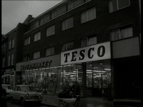 exterior store in albermarle road london - tesco点の映像素材/bロール