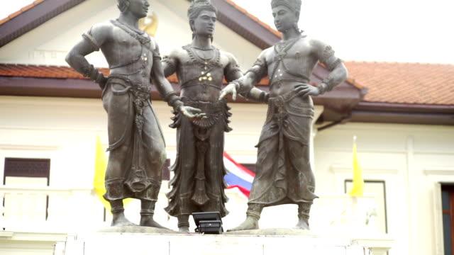 3 王の記念碑のチェンマイ、タイ。 - 夏休み点の映像素材/bロール