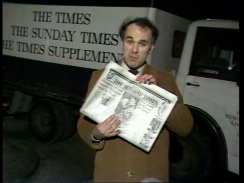 """the times redundancies; england: london: grays inn road michael oliver: ext: sof: """"if the unions fail -- holds up current sunday times edition... - trade union stock videos & royalty-free footage"""