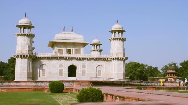 The Tomb Of Itmad-ud-Daula