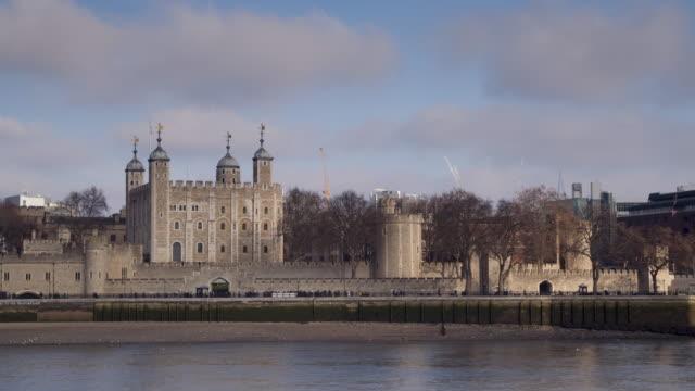 stockvideo's en b-roll-footage met the tower of london, england. - britse cultuur