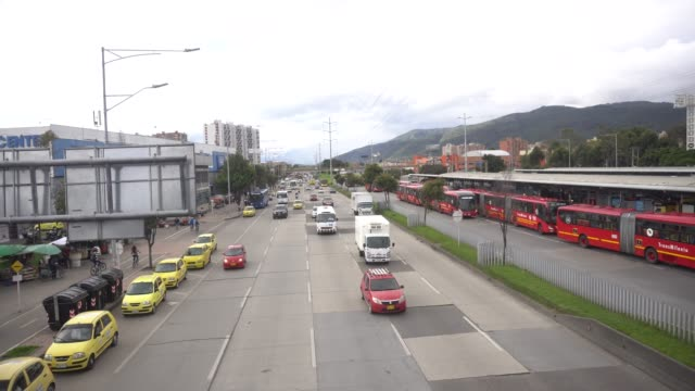 the traffic of cars in the north of the city of bogota during the quarantine due to the spread of covid 19. colombian president ivan duque announces... - the cars stock videos & royalty-free footage