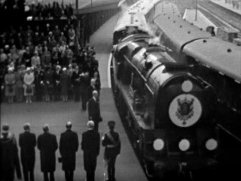 the train carrying president charles de gaulle for his state visit to britain arrives at victoria station 05 april 1960 - charles de gaulle stock videos and b-roll footage