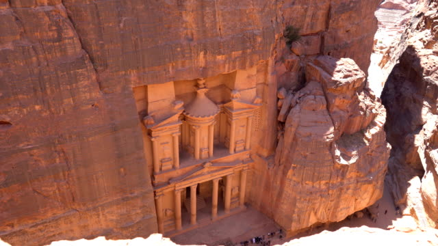 the treasury of petra ancient city, jordan - temple building stock videos & royalty-free footage