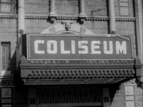 vidéos et rushes de 1952 montage b/w the tulsa coliseum building damaged by fire after lightning strike/ tulsa, oklahoma, usa - 1952