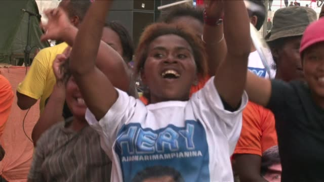 the two finalists of the presidential election in madagascar jean louis robinson and hery rajaonarimampianina held their last rallies wednesday in... - spielkandidat stock-videos und b-roll-filmmaterial