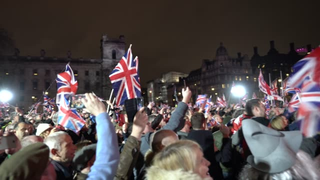 vidéos et rushes de atmosphere the uk leaves the european union on january 31 2020 in london england - ming