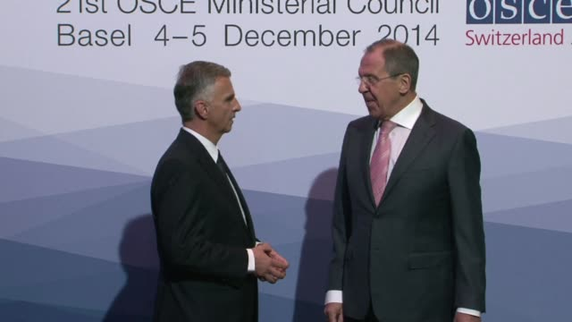 the ukraine crisis took centre stage thursday at a meeting of top diplomats from osce nations after us president barack obama said moscow was... - politik und regierung stock-videos und b-roll-filmmaterial