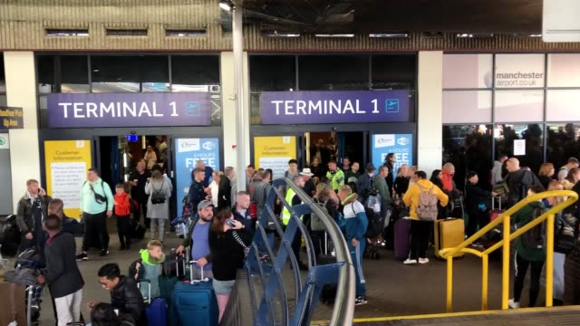 the uk's largest peacetime repatriation has been launched after travel giant thomas cook collapsed an estimated 150000 tourists are being brought... - peacetime stock videos & royalty-free footage