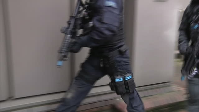the uk's most senior counterterrorism police officer has revealed that 13 potential attacks have been foiled since june 2013 assistant commissioner... - counter terrorism stock videos & royalty-free footage
